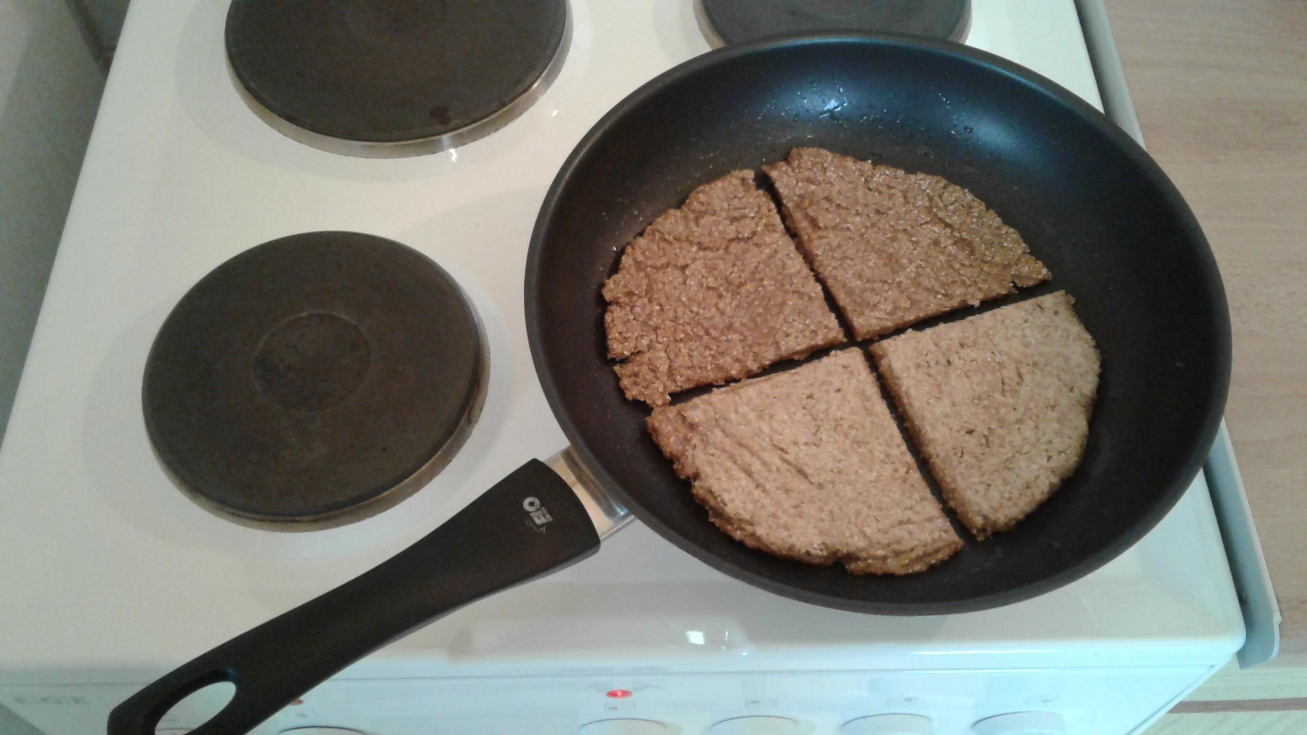13-Brotfladen-wenden